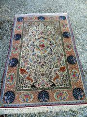 Phantastisches Unikat eines Isfahan-Teppich signiert