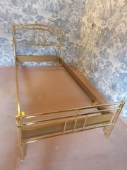 Messingfarbenes Metallbett 216 x109 cm