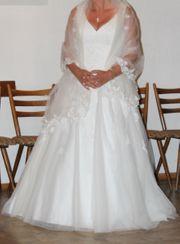 Hochzeitskleid für die heiße Braut