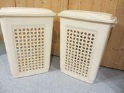 Zwei Wäschkörbe plastik