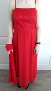 Abendkleid rot 2 teilig Rücken