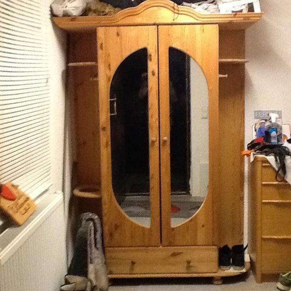 Echtholz Garderobenschrank mit Spiegel -zerlegt