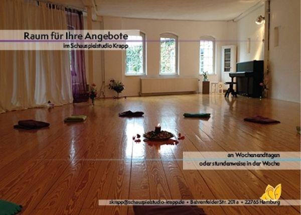 Heller Studioraum für Bewegung und