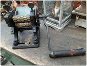Antike Bonbonmaschine mit einem Paar