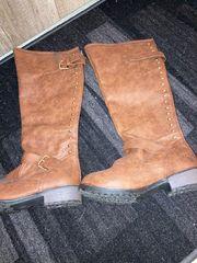 Braune Kunstleder Stiefel Größe 38