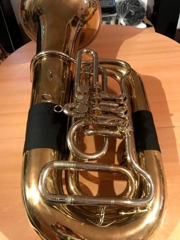 Miraphone Bb Tuba