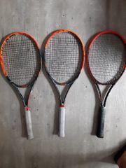 Tennisschläger und Zubehör