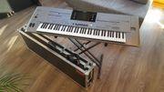 Entertainer-Keyboard Tyros 5