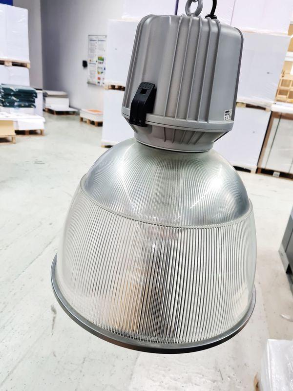 Industrie- und Hallenlampen Pendelreflektorleuchten
