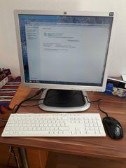 Computer mit Monitor