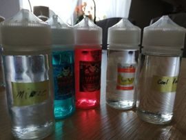 Bild 4 - verschiedene Liquids ohne Nikotin abzugeben - Zuchau Colno