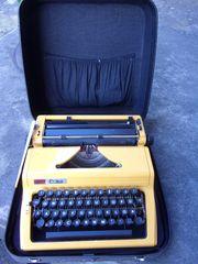 gelbe Schreibmaschine
