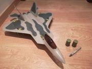 Milleniumfalke Starwars und Flugzeug Jet
