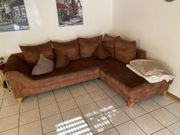Braune Couch in L-Form
