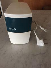 Kaffeemühle AEG KMU elektrisch läuft
