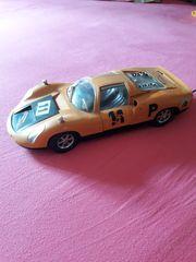 Porsche Carrera 10 906 Modellauto
