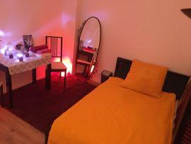 Bars, Clubs & Erotikwohnung - Diskret Zimmer für Wellness Massage