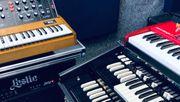 Keyboarder Keyboardist sucht Rockband oder