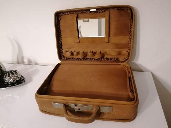 Schöner Antiker Koffer