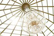 Elektrofirma - Handwerker für Lampenmontage - Leuchte