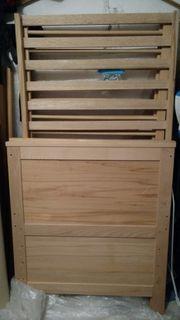 Gitterbett aus Holz für Babies