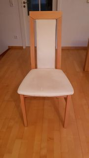 5 helle Stühle