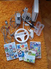 Wii mit Zubehör und Spielen