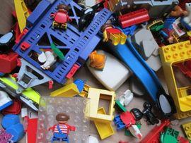 Bild 4 - Duplo Lego Playmobil Konvolut Figuren - Wetzlar