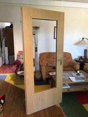 Zimmertür mit Liechtausschnitt