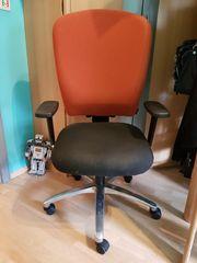 Bürostuhl Dauphin mit Armlehnen TOP-Zustand