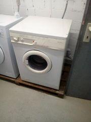 weisse Waschmaschine