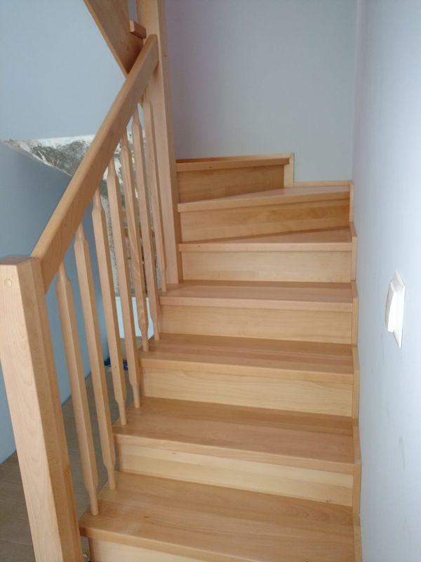 Massivholz Treppen aus Polen - Pl-66470 Kostrzyn Odrzanski - Wir haben uns auf Treppen aus Massivholz spezialisiert auch in Verbindung mit Metallelementen. In unserer Manufaktur werden die Treppen individuell und in Handarbeit hergestellt. Dabei ist höchste Qualität selbstverständli - Pl-66470 Kostrzyn Odrzanski