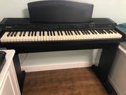 E - Piano Yamaha YPP-100