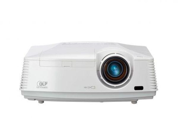 Mitsubshi Full HD DLP BeamerHC3200