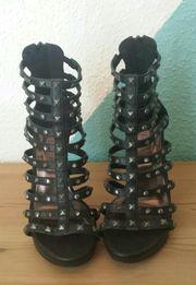 Schwarze Sandaletten in Gr 38