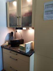 gebrauchte Küche in rapsgelb