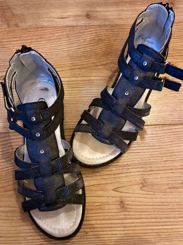 schöne Mädchen Riemchen-Sandalen Gr 34