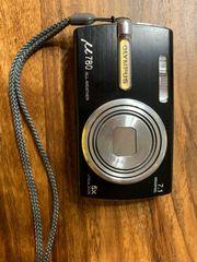 Digitalkamera für die Hemdtasche