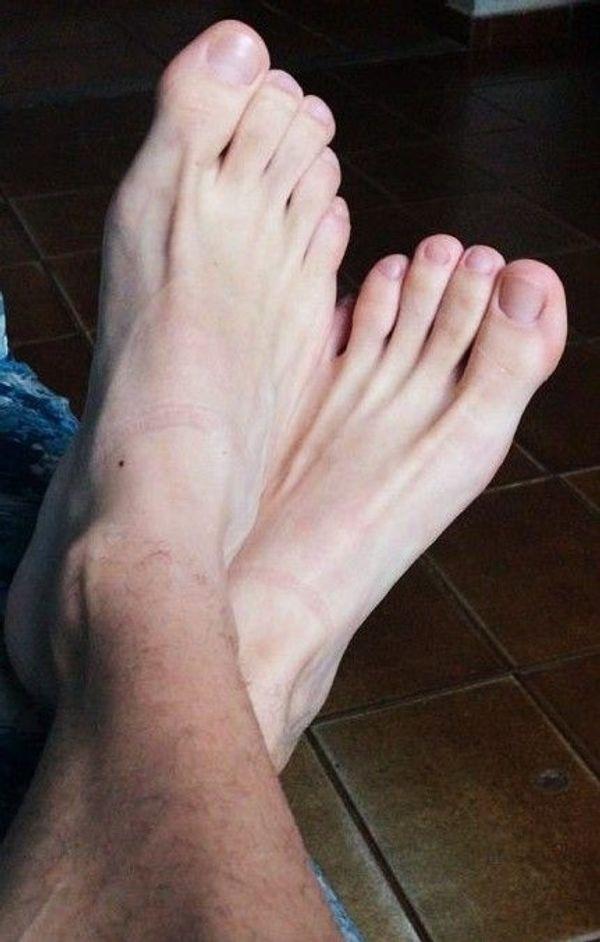 könntest du meine Füße verwöhnen