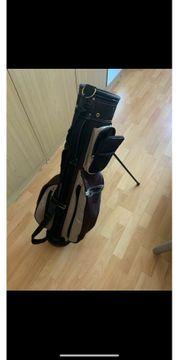 Golftasche mit Standfuß