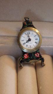 kleine Uhr antik mechanisch zum