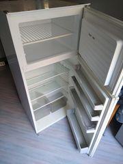 Einbaukühlschrank mit Gefrierfach zu verschenken