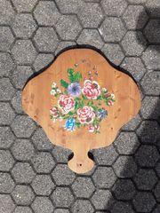 Holzbrett bemalt mit Bauernmalerei