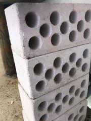 6 Betonbausteine zu verschenken