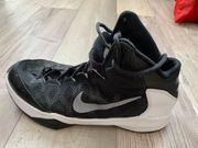 Nike Basketballschuhe Gr 44
