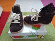 Neue Halbschuhe hohe Sneaker von