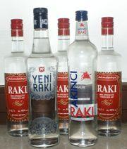 Raki - 5 Flaschen 4 Gläser