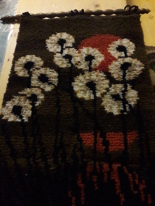 handgeknüpfte Kissen und Wandteppiche