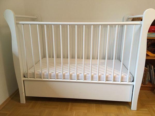 Weißes Babybett 60x 120 mit