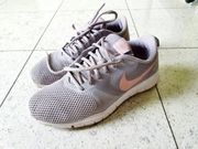 Nike Trainingsschuh Gr 38 5